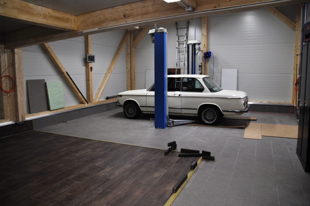 BMW Club EV Forum Garagen Entwicklung - Feinsteinzeug fliesen für garage